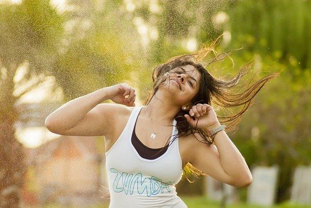 運動して気持ちいい汗を流す