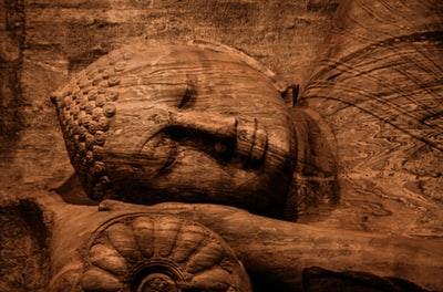 仏教思想の徳を積むとは?