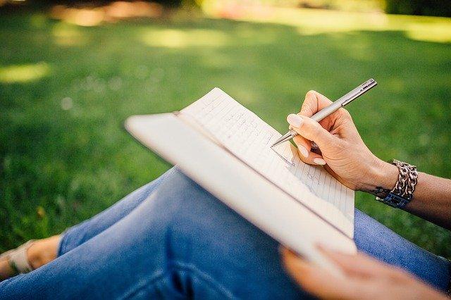 願望を紙に書く